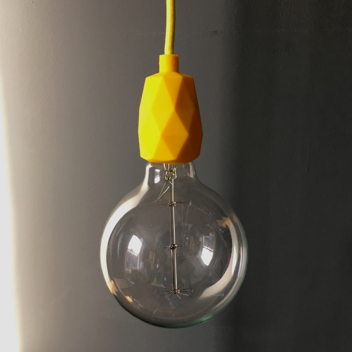 ... E27 Faceted Silicone Pendant Light Fitting in Sunshine Yellow ... & E27 Faceted Silicone Pendant Light Fitting in yellow azcodes.com