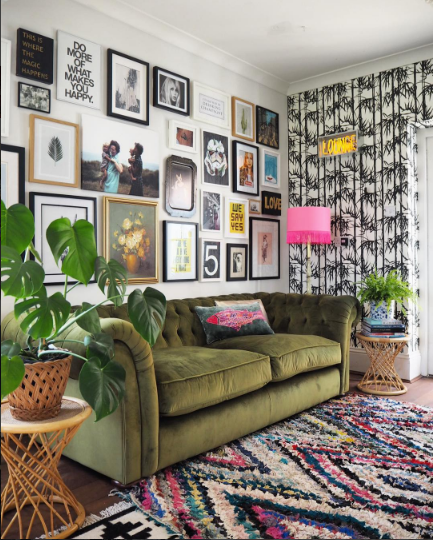 The gorgeous home of Lisa Dawson styling pink and green like a pro @_lisa_dawson_