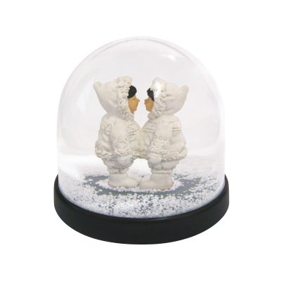 Kissing Eskimo Snow Globe