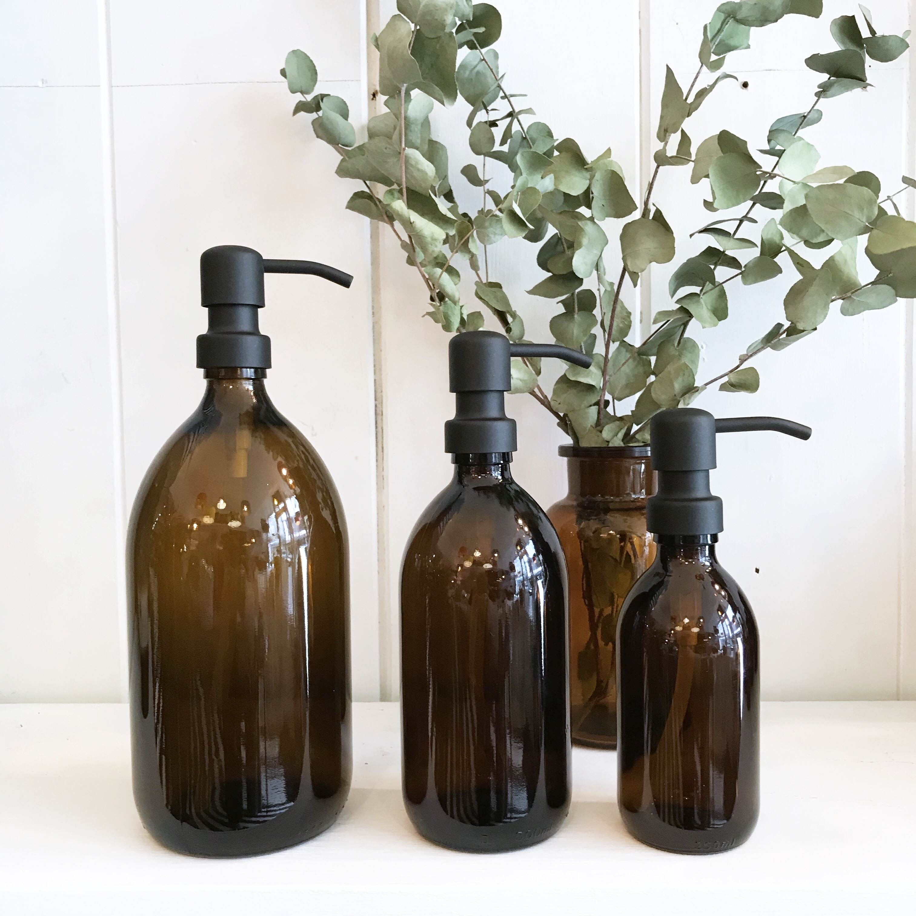 Amber Gl Soap Dispensers With Black Pump