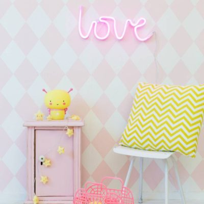 LOVE Neon Light - Pink or Yellow