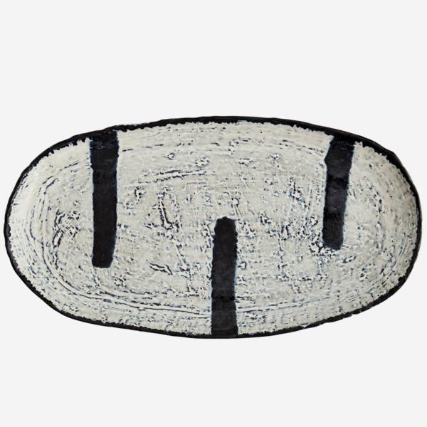 love-frankie-monochrome-stoneware-platter