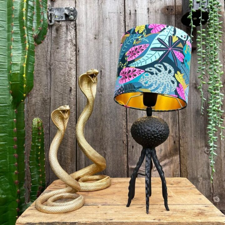 Small Black Octopus Lamp with Mini Serpent Jungle Lampshade
